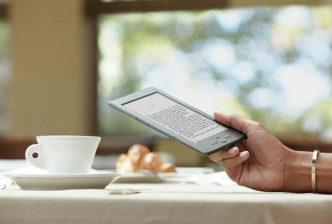 amazon kindle e-reader 2011 79 dollars dolares a