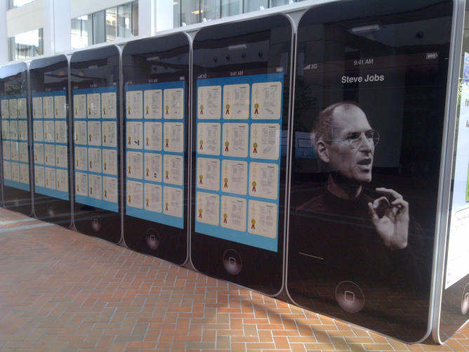 exhibicion patentes steve jobs iphone 4 gigante