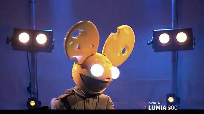 nokia lumia 800 deadmau5