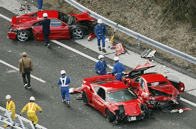 super autos accidente japon ferrari lamborghini mercedes benz